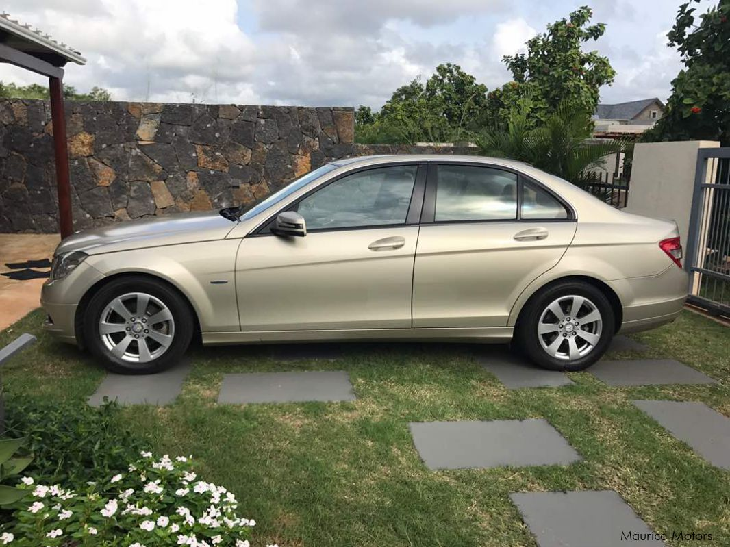 Used mercedes benz c180 2010 c180 for sale grand gaube for Used mercedes benz