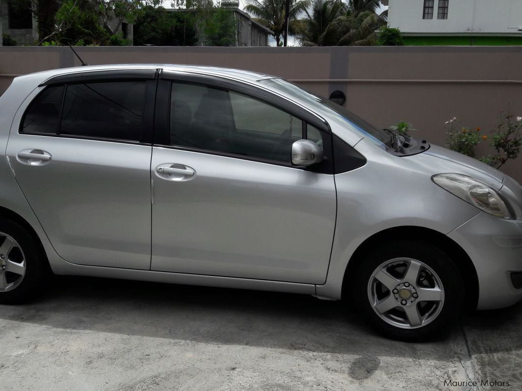 used toyota vitz 2010 vitz for sale quatre bornes toyota vitz sales toyota vitz price rs. Black Bedroom Furniture Sets. Home Design Ideas