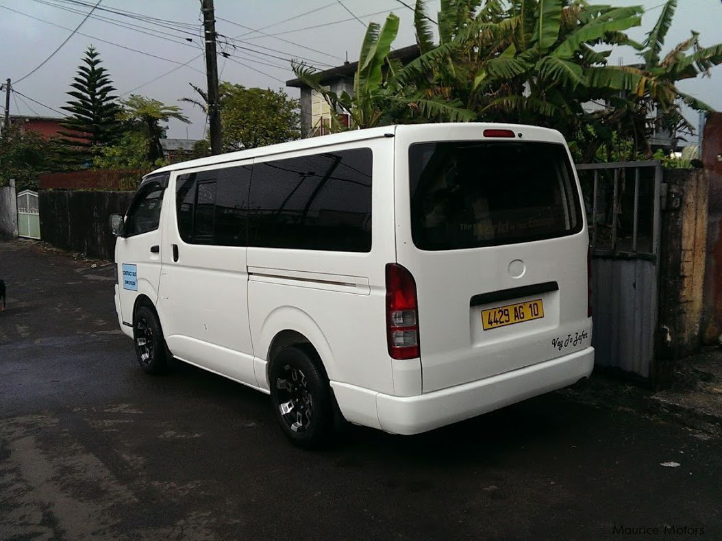used toyota hiace 2010 hiace for sale curepipe toyota hiace sales toyota hiace price rs. Black Bedroom Furniture Sets. Home Design Ideas