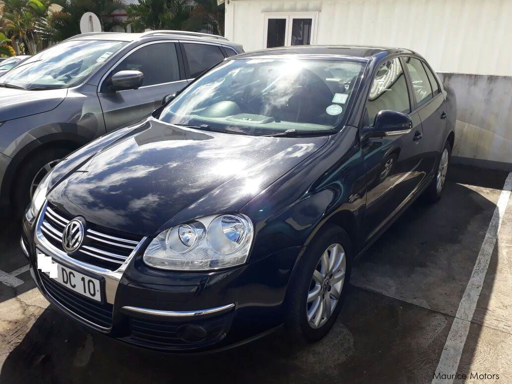 used volkswagen jetta 2010 jetta for sale cascavelle volkswagen jetta sales volkswagen. Black Bedroom Furniture Sets. Home Design Ideas