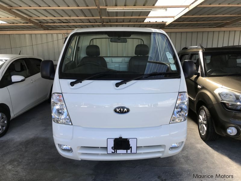 Used Kia K2700 - White - 10 Feet