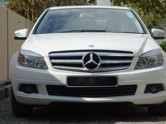 Used mercedes benz c180 kompressor 2011 c180 kompressor for Used mercedes benz phoenix