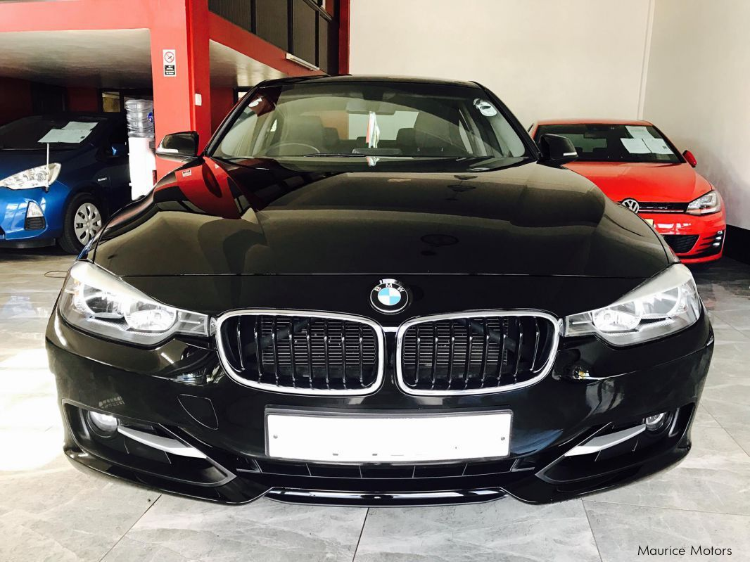 used bmw 320i f30 sport package 2 0 twin power turbo 2012 320i f30 sport package 2 0 twin. Black Bedroom Furniture Sets. Home Design Ideas