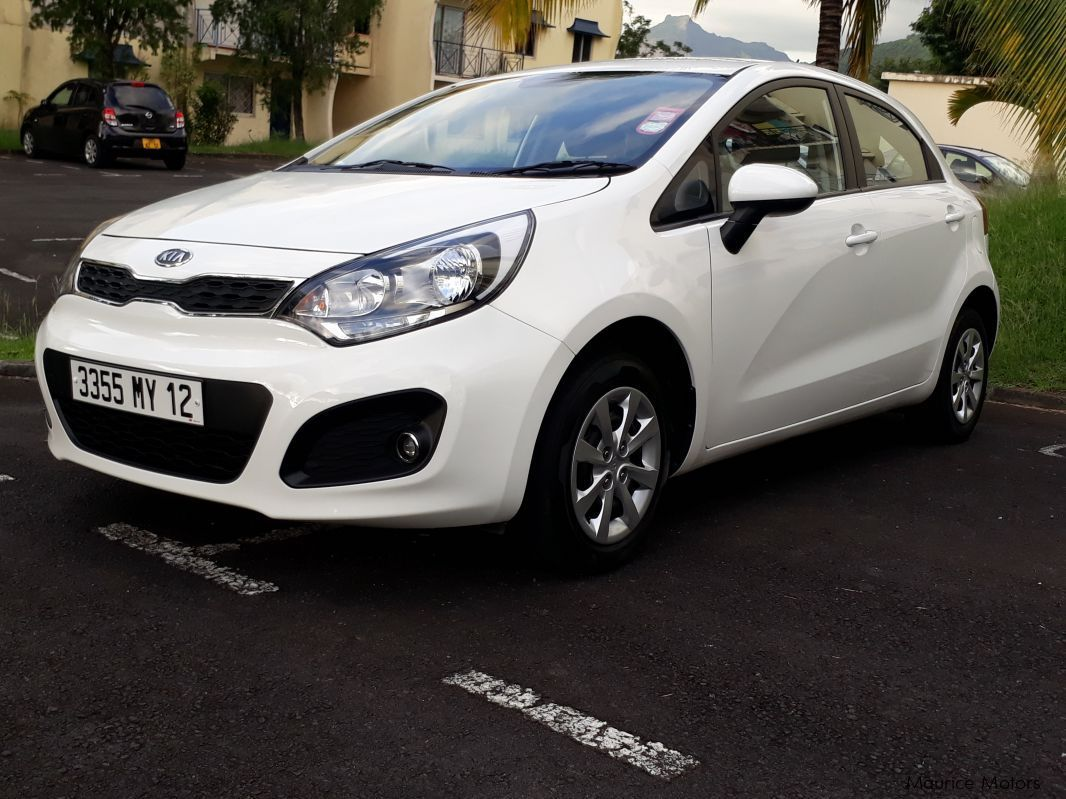 used kia rio 2012 rio for sale beau bassin kia rio sales kia rio price rs 390 000 used cars. Black Bedroom Furniture Sets. Home Design Ideas