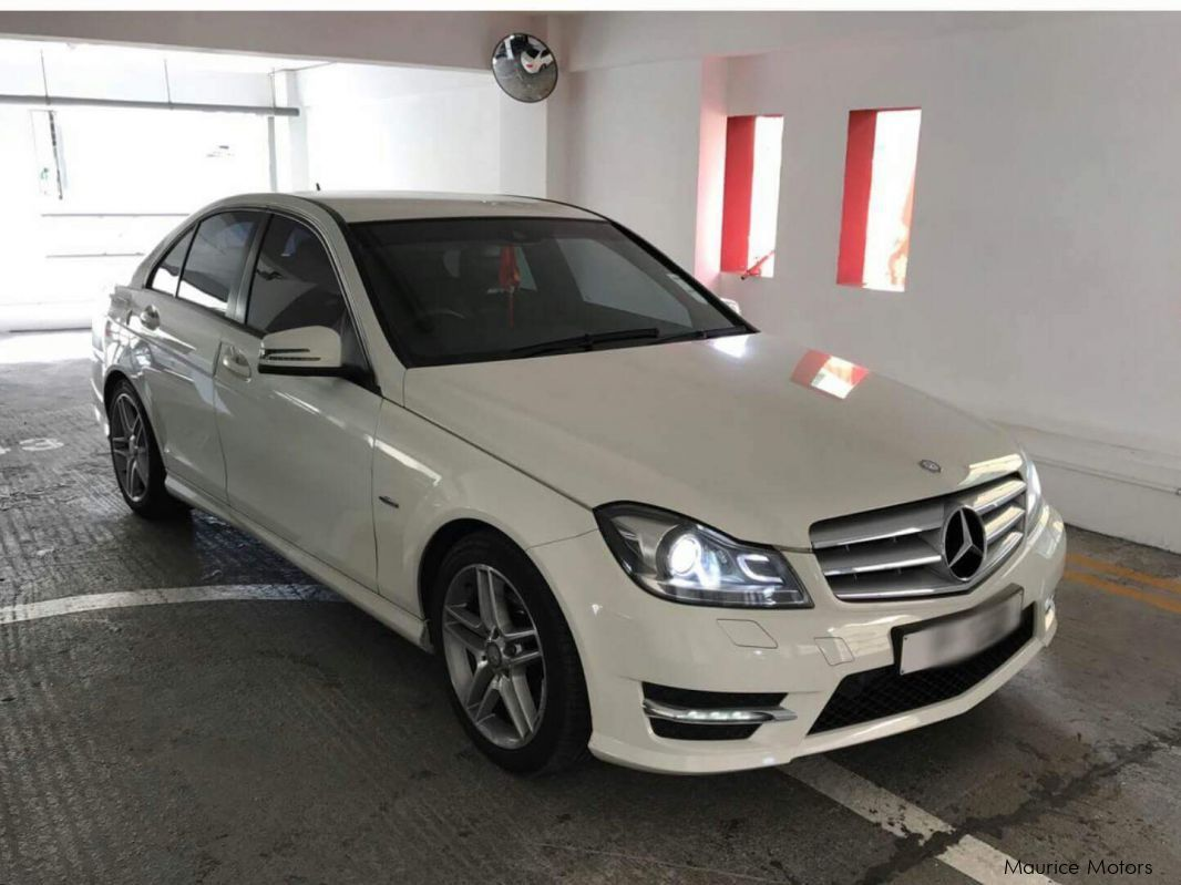 Used mercedes benz c 180 amg sport package 2012 c 180 for Mercedes benz packages