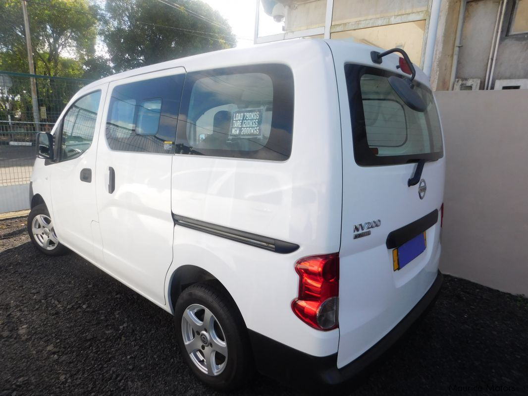used nissan nv200 white 2012 nv200 white for sale camp fouquereaux nissan nv200 white. Black Bedroom Furniture Sets. Home Design Ideas