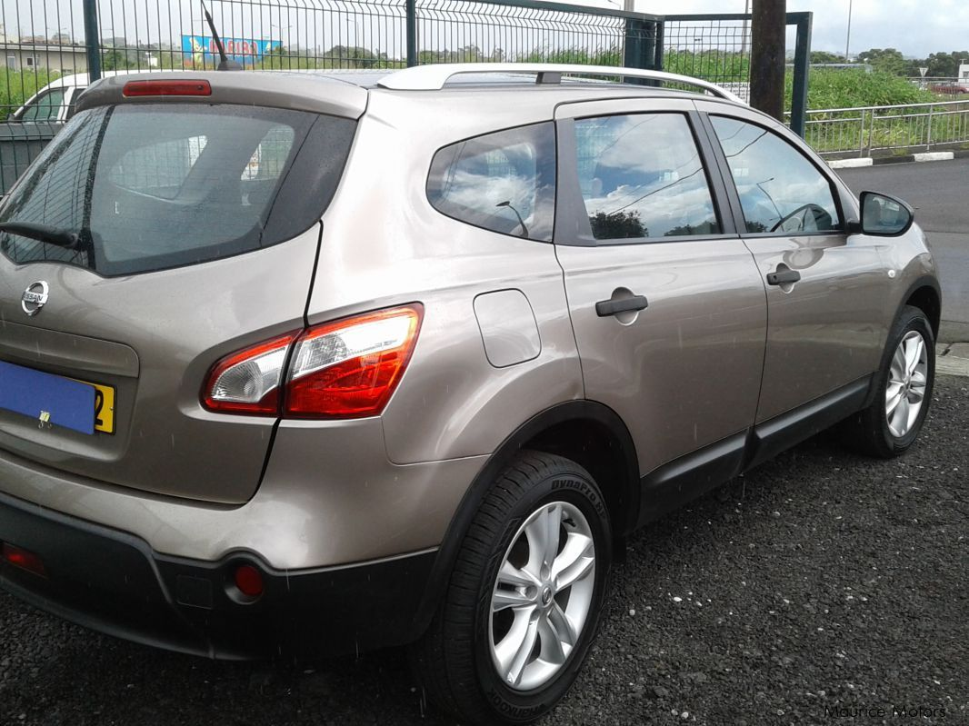 used nissan qashqai 2 light brown 2012 qashqai 2 light brown for sale camp fouquereaux. Black Bedroom Furniture Sets. Home Design Ideas