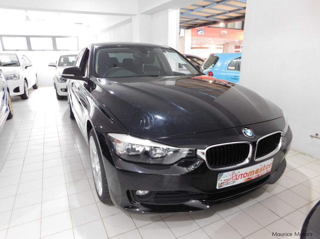 used bmw 320i black 2013 320i black for sale rose hill bmw 320i black sales bmw 320i. Black Bedroom Furniture Sets. Home Design Ideas