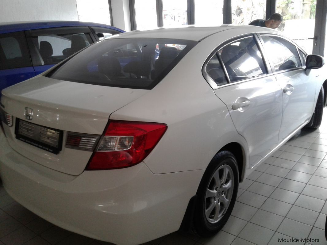 used honda civic i vtec pearl white 2013 civic i vtec pearl white for sale rose hill. Black Bedroom Furniture Sets. Home Design Ideas