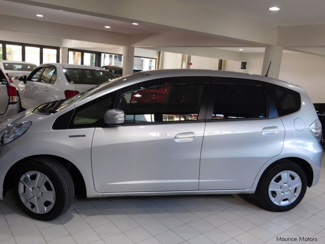 Red Hill Auto Sales >> Used Honda FIT - SILVER - HYBRID | 2013 FIT - SILVER - HYBRID for sale | Rose Hill Honda FIT ...