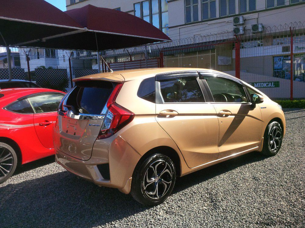 used honda fit hybrid new shape 2013 fit hybrid new shape for sale vacoas honda fit hybrid. Black Bedroom Furniture Sets. Home Design Ideas