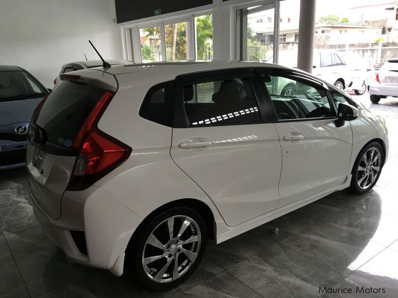 used honda fit manual transmission new shape only 4300km 2013 fit rh mauricemotors mu 2016 honda fit manual transmission for sale 2017 honda fit manual transmission for sale