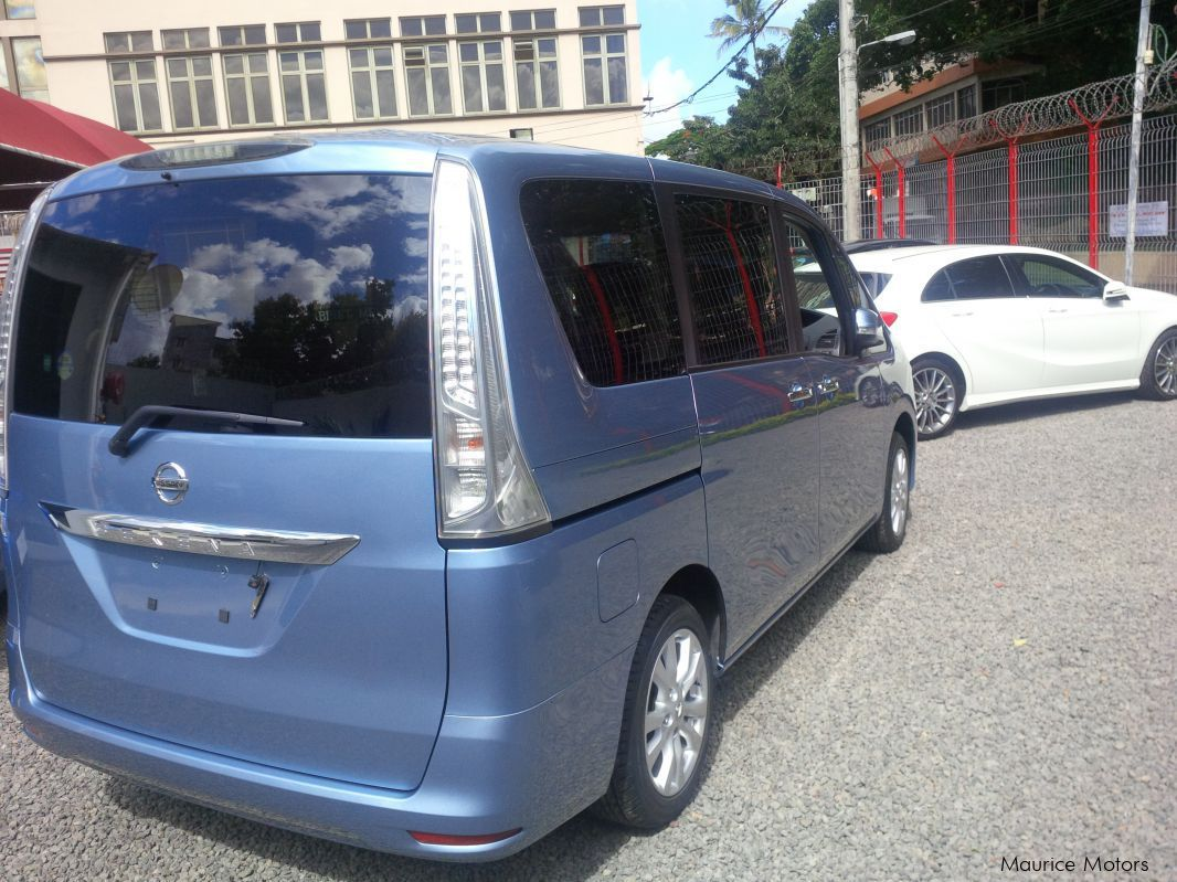 used nissan serena 20s 2013 serena 20s for sale vacoas nissan serena 20s sales nissan. Black Bedroom Furniture Sets. Home Design Ideas
