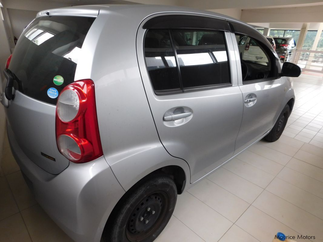 used toyota passo silver leather seats 2013 passo silver leather seats for sale rose. Black Bedroom Furniture Sets. Home Design Ideas