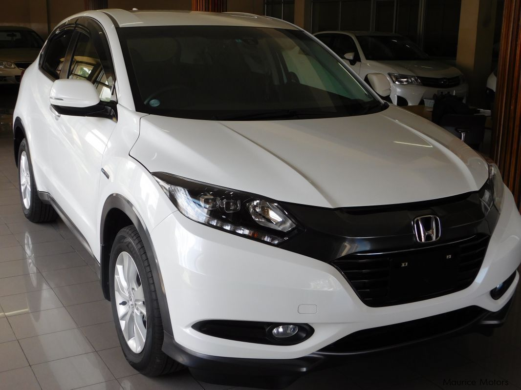 Used honda vezel hybrid pearl white model x 2014 for Honda hybrid cars