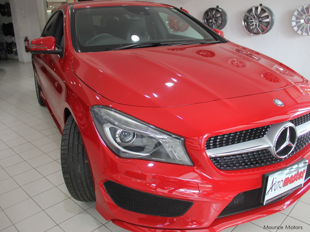 Used mercedes benz cla 180 red paddle shift for Red mercedes benz cla