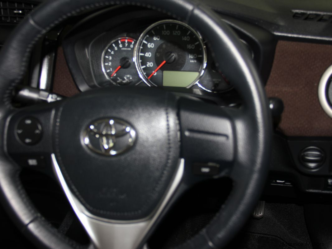 Used Toyota AXIO MODEL G MANUAL TRANSMISSION PEARL