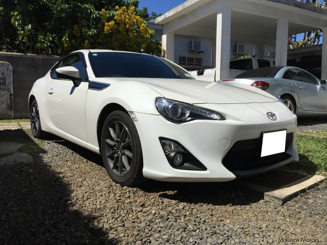 used toyota gt86 2014 gt86 for sale quatre bornes toyota gt86 sales toyota gt86 price rs. Black Bedroom Furniture Sets. Home Design Ideas