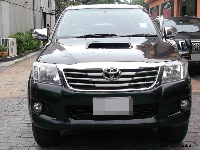 used toyota hilux 2014 hilux for sale quatre bornes toyota hilux sales toyota hilux price. Black Bedroom Furniture Sets. Home Design Ideas