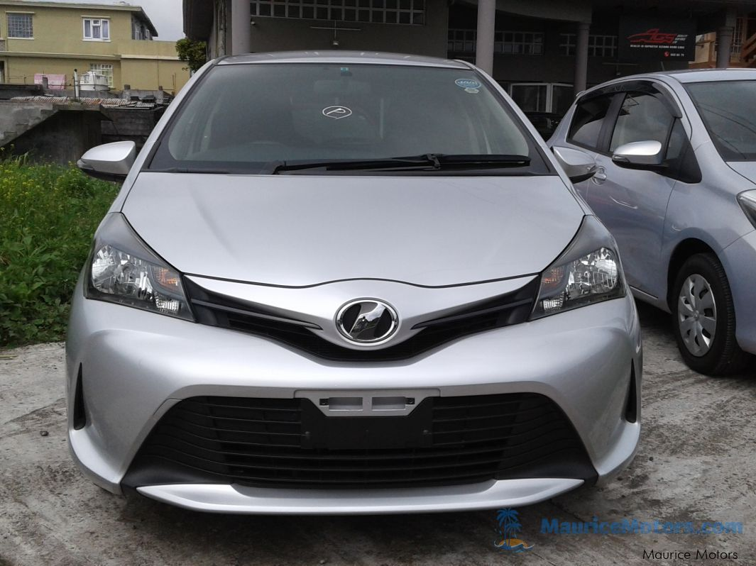 Used Toyota Vitz Silver New Shape 2014 Vitz Silver
