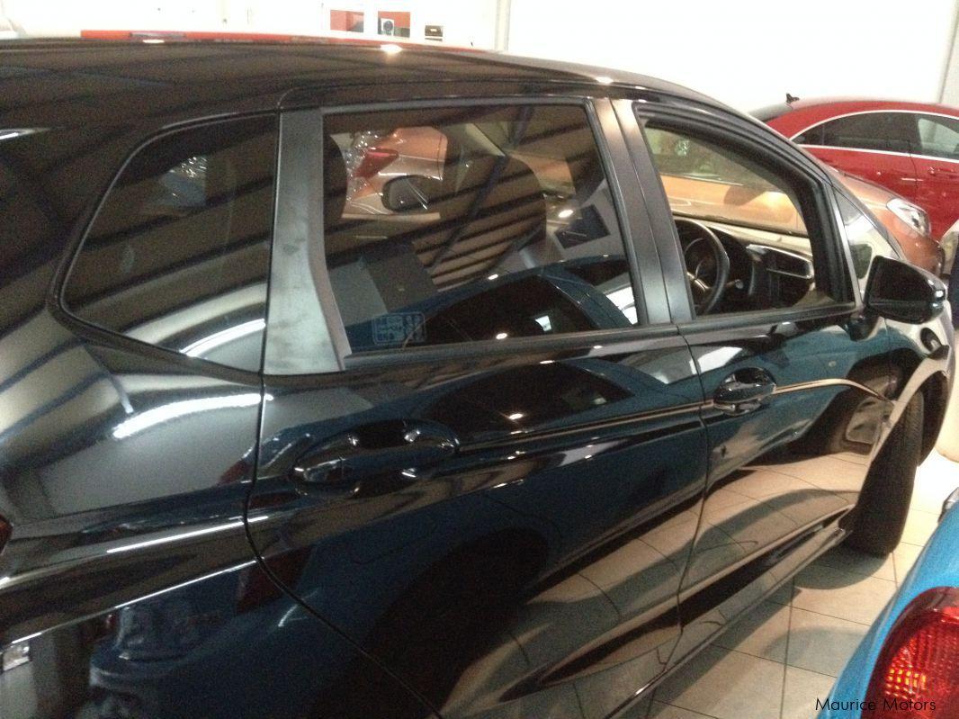 Used honda fit black 2015 fit black for sale rose for Honda black car