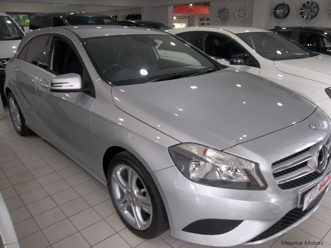 Used mercedes benz a180 turbo silver met 2015 a180 for Mercedes benz silver