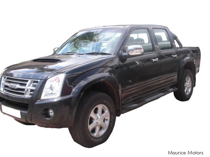 Used Isuzu kb300 for sale in Terre Rouge