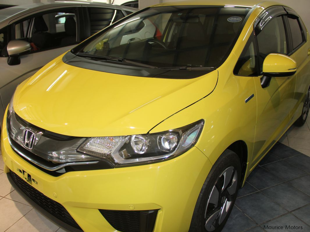 Pre-owned Honda FIT - HYBRID - YELLOW for sale in