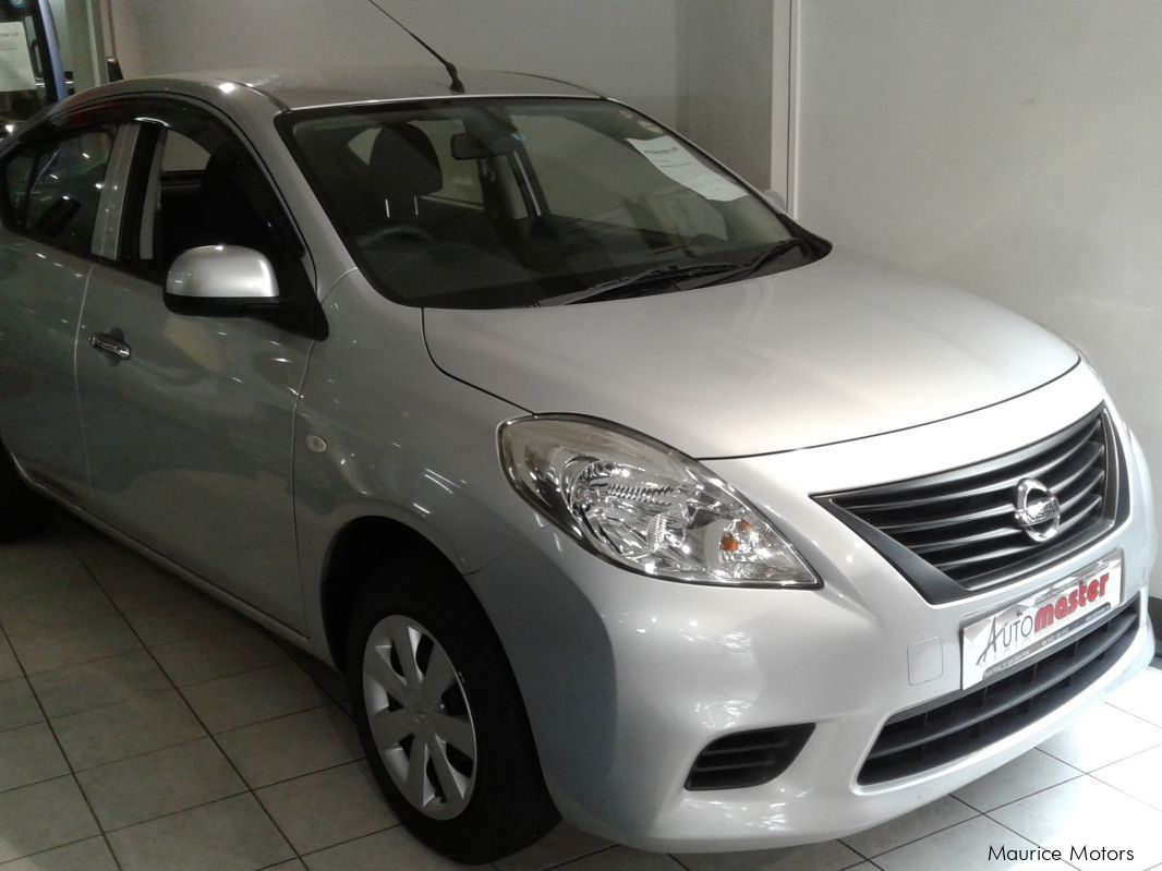 Used Nissan LATIO - SILVER MET for sale in Rose Hill