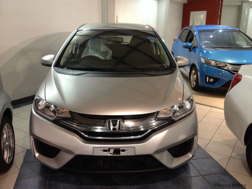 Pre-owned Honda FIT - HYBRID - SILVER for sale in