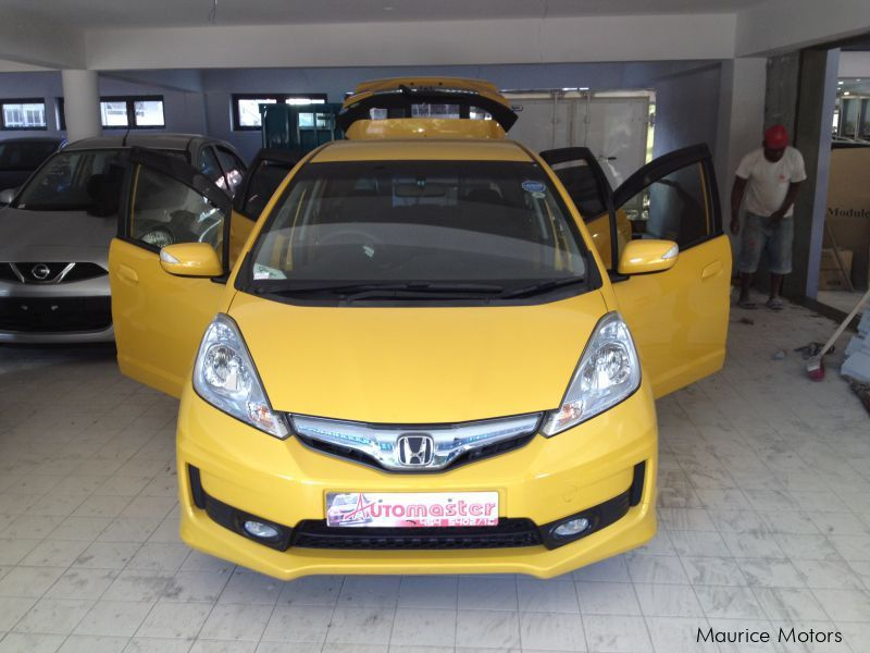Used Honda FIT - RS HYBRID - YELLOW in Mauritius