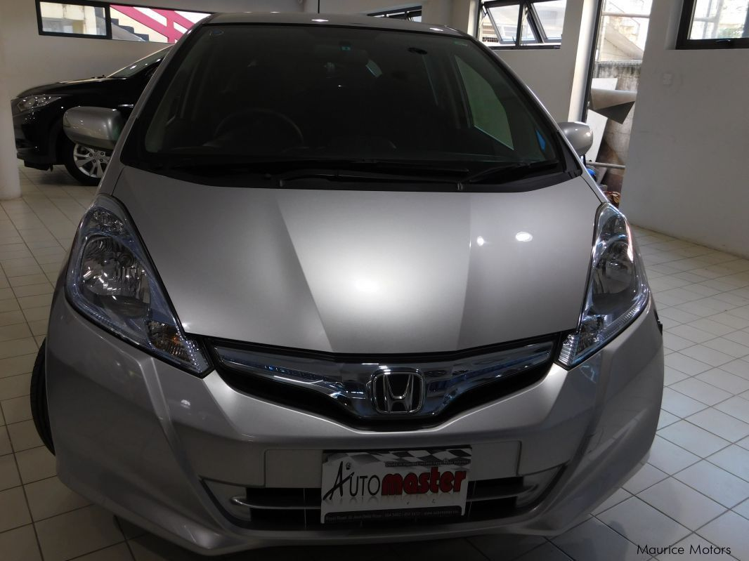 Used Honda FIT - SILVER - HYBRID for sale in Rose Hill