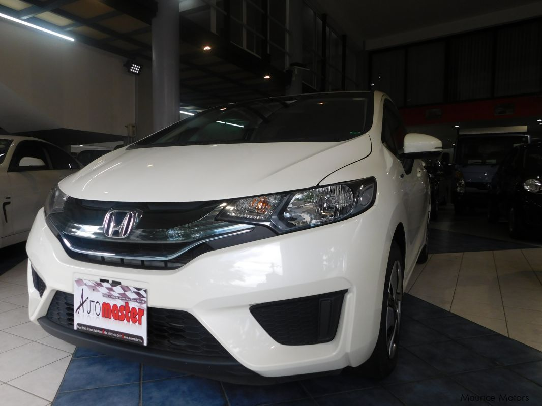 Used Honda FIT - PEARL WHITE - HYBRID for sale in Rose Hill