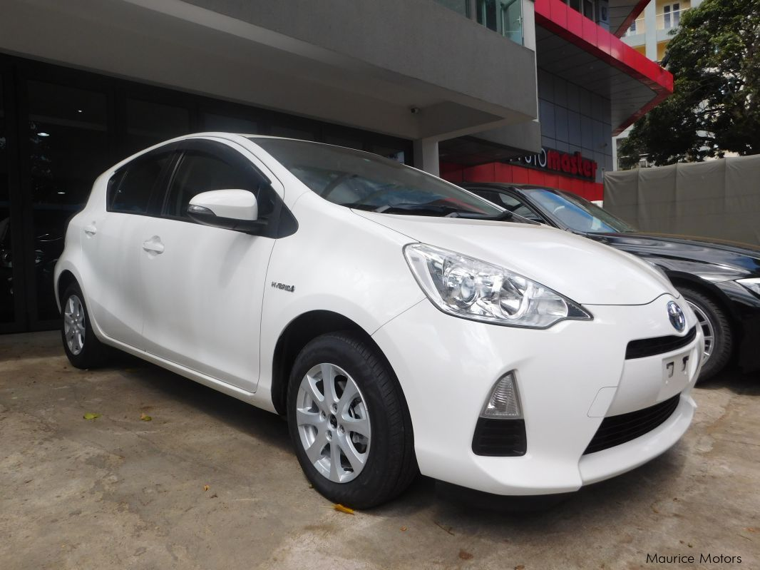 Used Toyota AQUA PROMO - PEARL WHITE - HYBRID for sale in Rose Hill