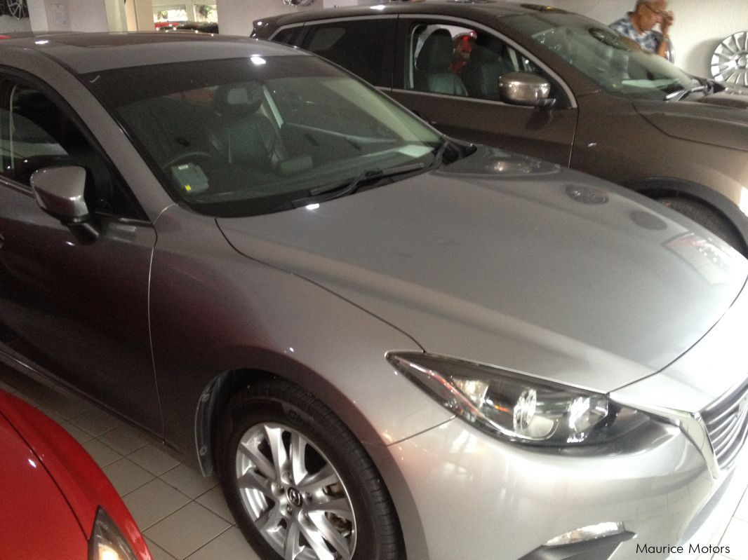 Pre-owned Mazda 3 -SILVER for sale in