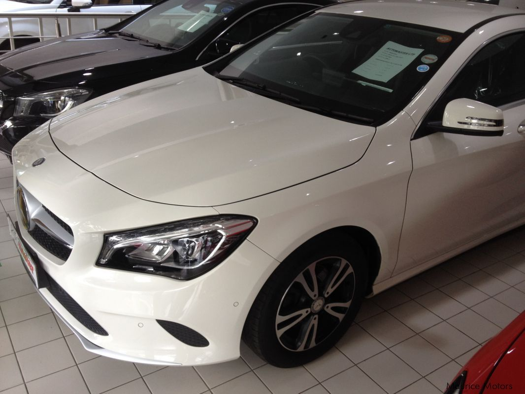 Pre-owned Mercedes-Benz CLA 180 - white - 7spd Steptronic with Paddle Shift for sale in