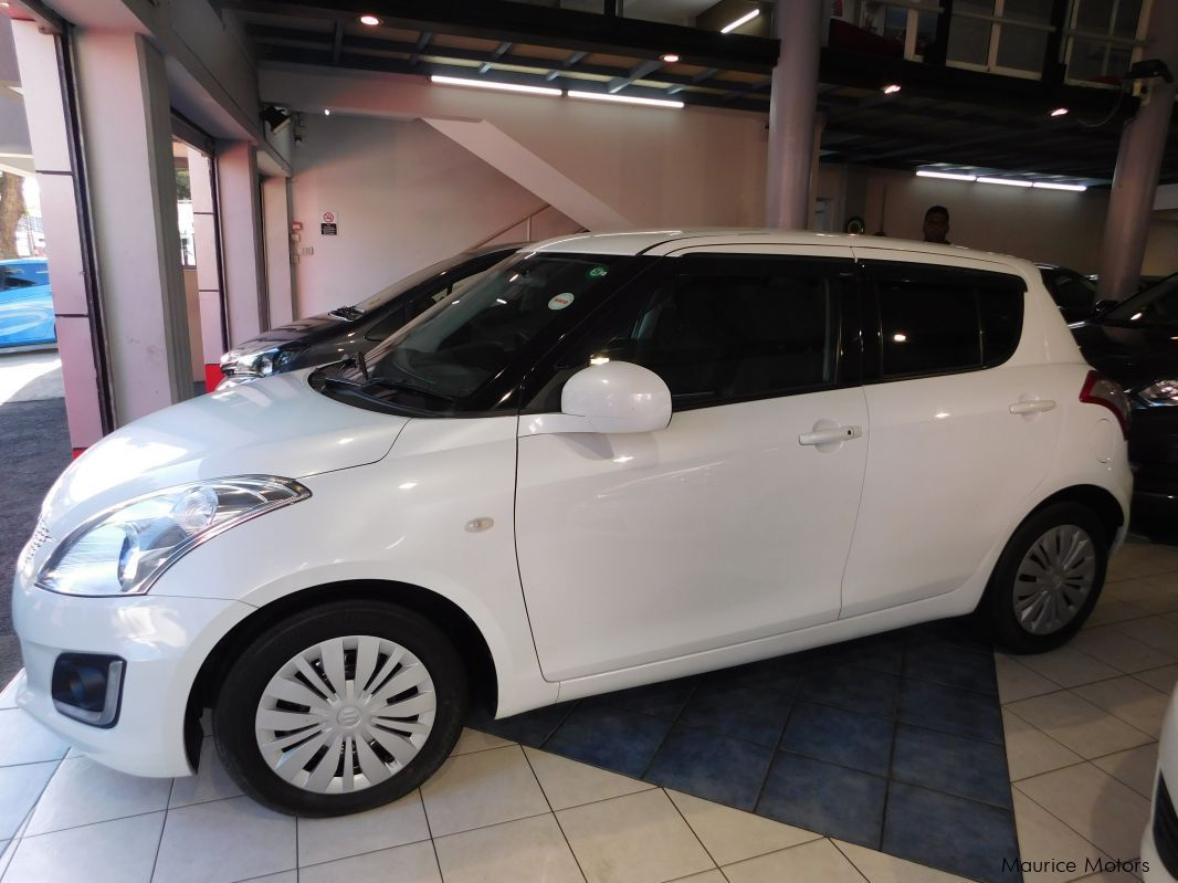 Used Suzuki SWIFT - WHITE for sale in Rose Hill