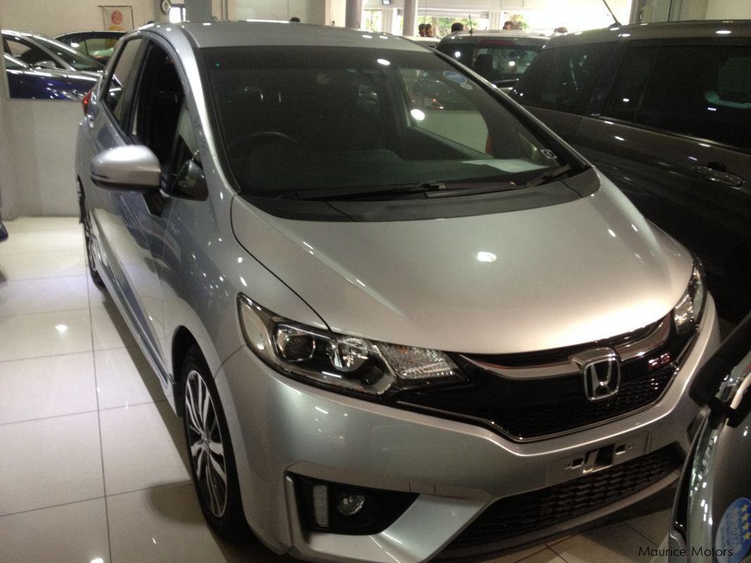 Pre-owned Honda FIT RS - SILVER for sale in