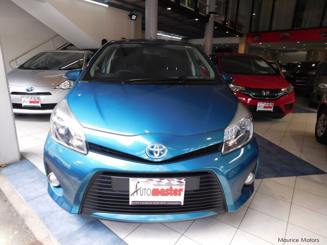 Used Toyota YARIS - HYBRID - BLUE GREEN in Mauritius