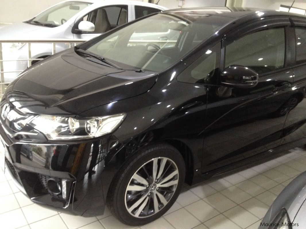 Pre-owned Honda FIT - HYBRID - BLACK RS for sale in