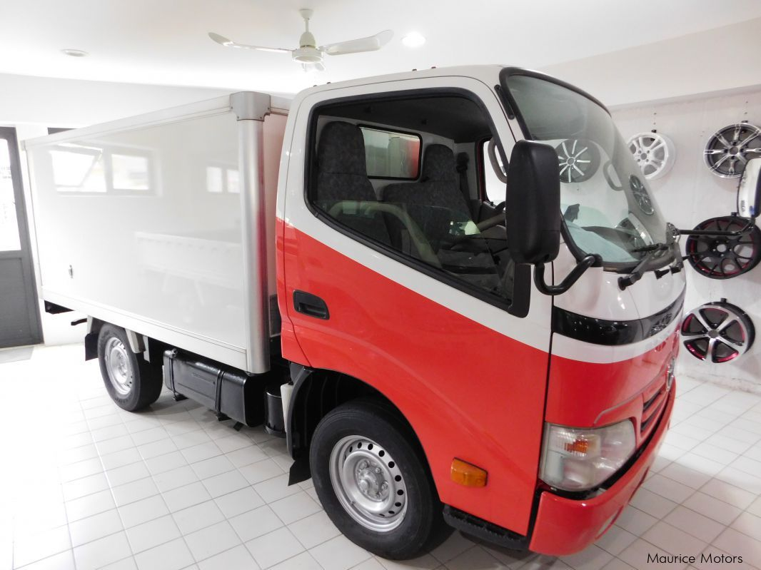 Used Toyota TOYOACE  TRUCK FREEZER in Mauritius