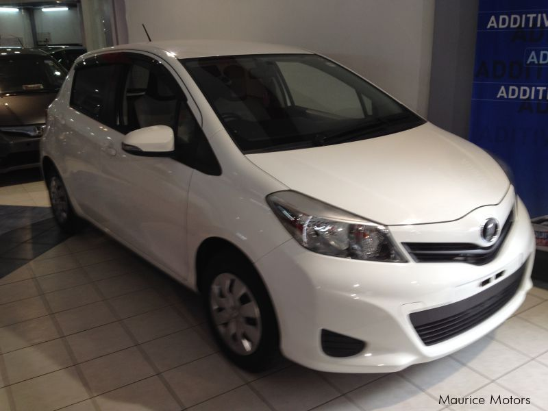 Used Toyota VITZ - PEARL WHITE in Mauritius