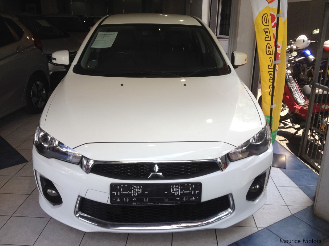 Pre-owned Mitsubishi LANCER - 1.6 EX STEPTRONIC  WHITE for sale in