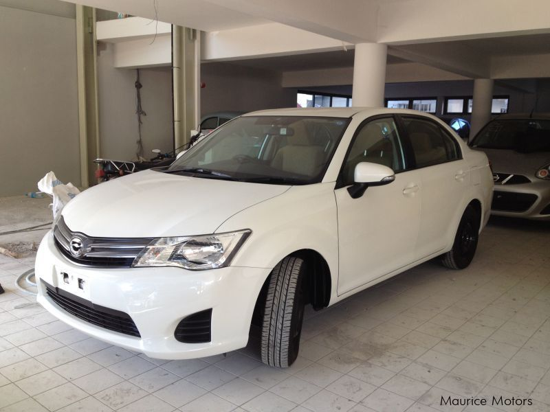 Used Toyota AXIO - PEARL WHITE in Mauritius