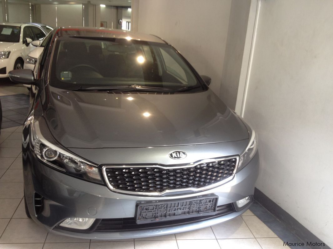 Pre-owned Kia CERATO - FORTE K3 - DARK GRAY for sale in