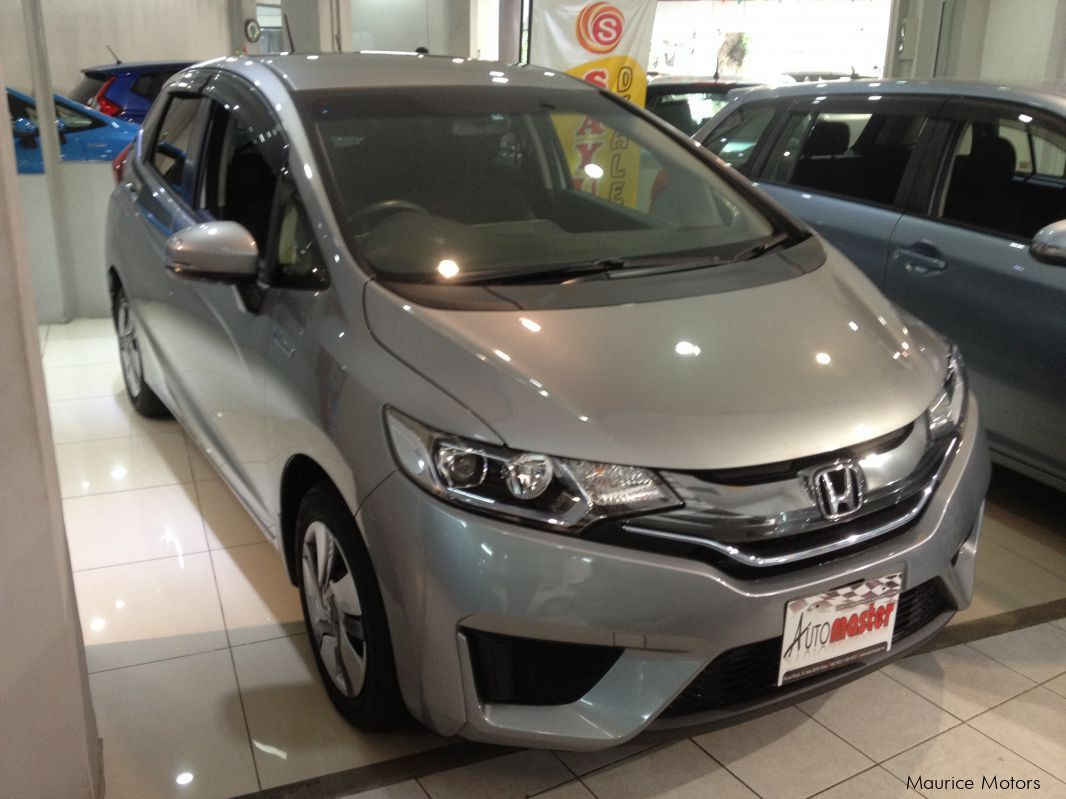 Pre-owned Honda FIT - HYBRID - DARK SILVER for sale in