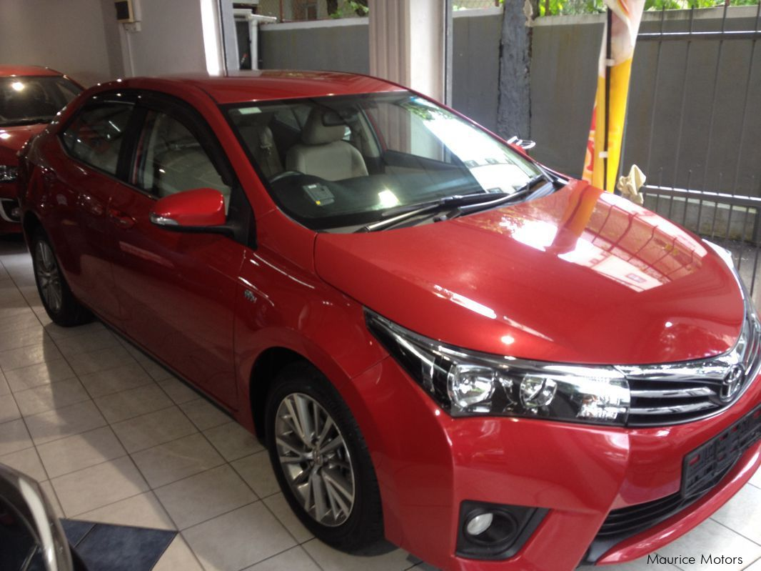 Pre-owned Toyota COROLLA ALTIS - RED - 1.6 CVT ELEGANCE for sale in