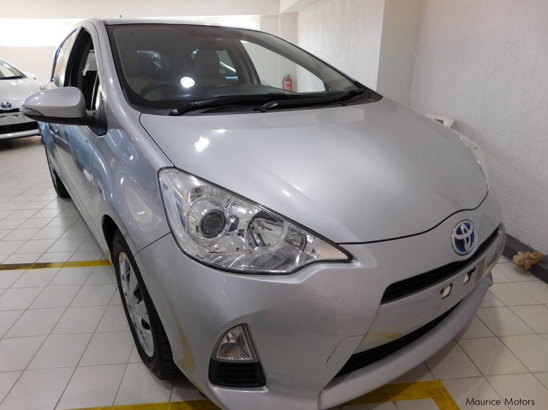 Pre-owned Toyota AQUA - SILVER HYBRID for sale in