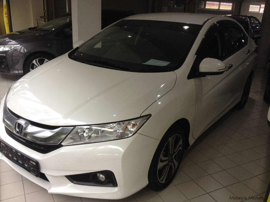 Pre-owned Honda CITY - WHITE for sale in