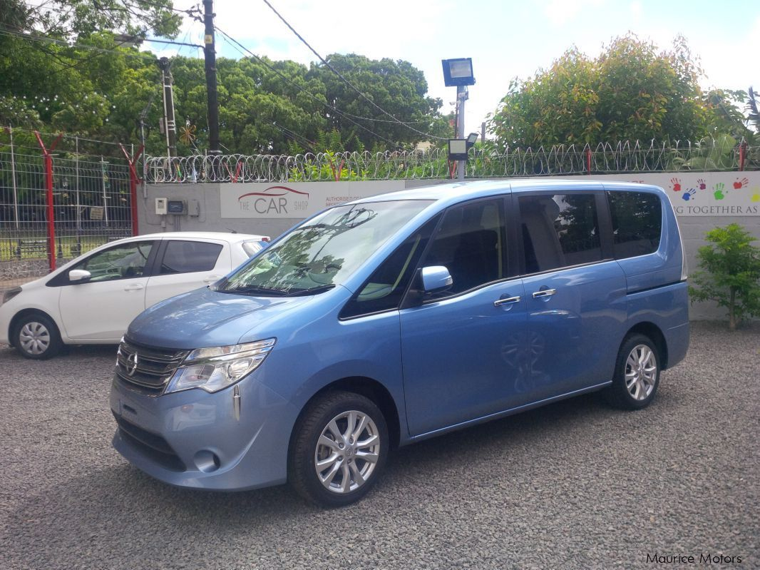 Used Nissan Serena 20S for sale in Vacoas